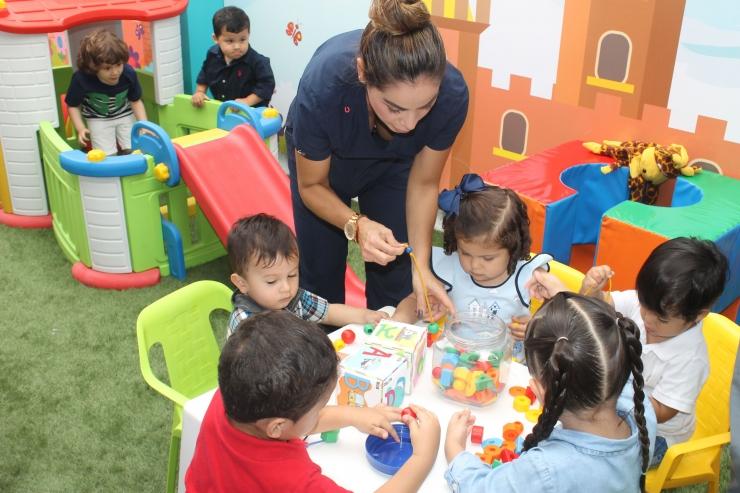 Inauguración área de juegos Centro de Salud Canaima