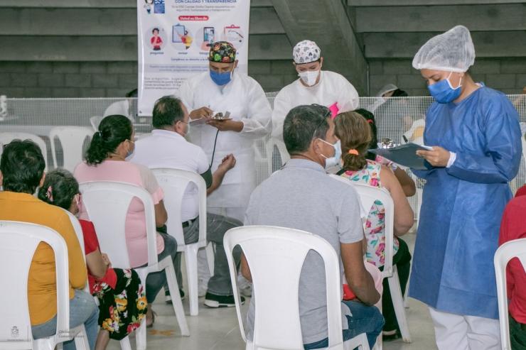 ¡A Vacunarse!: Población Entre 30-34 Años Y Mujeres Gestantes